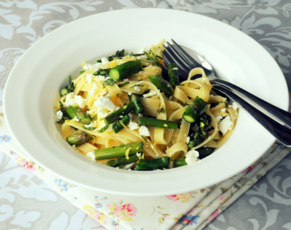 Fresh Pasta with Asparagus, Goat's Cheese and Lemon