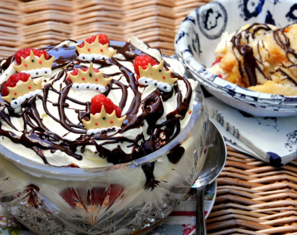 A Posh Jubilee Trifle (or two) for the Forman and Field Bake Off!