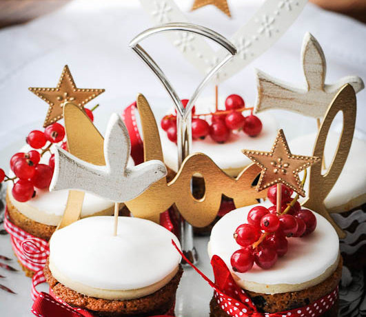 Mini Christmas Cakes and a Merry Christmas!