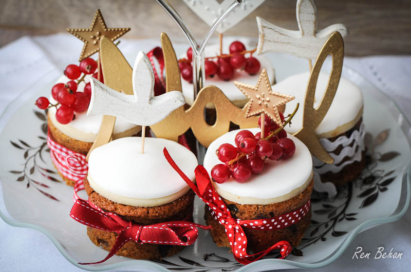 Mini Christmas Cakes and a Merry Christmas from ...