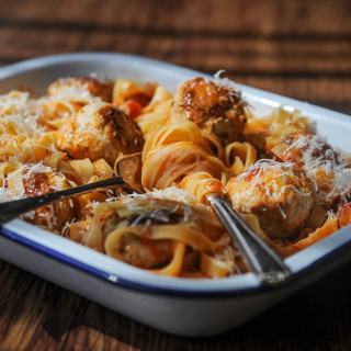 Recipe: Turkey and Leek Meatballs with Tomato Tagliatelle
