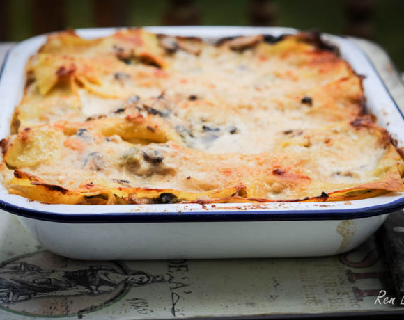 The Great British Farmhouse Cookbook from Yeo Valley and Chicken and Mushroom Lasagne