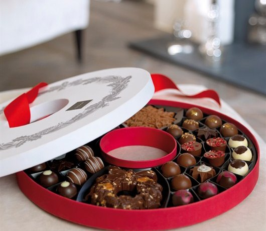 Giveaway: Hotel Chocolat – The Christmas Wreath (RRP £40)