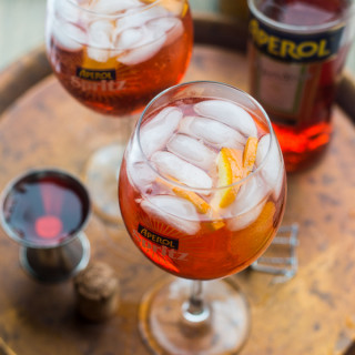 How to make an Aperol Spritz Cocktail #ItStartsNow