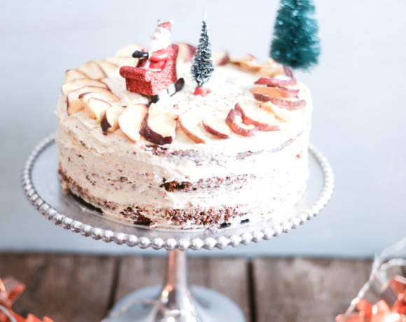 Easy Christmas Cake with Crunchy Apple Frosting
